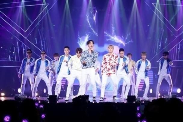 2PM成员Jun.K带伤上阵 自曝是多情男人