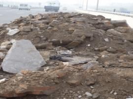 一个半月 一条马路 一百吨乱倒渣土被清理