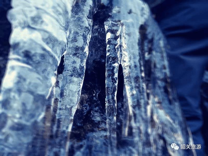冰雪世界不再是北方的专利韶关现1米多的冰挂奇境