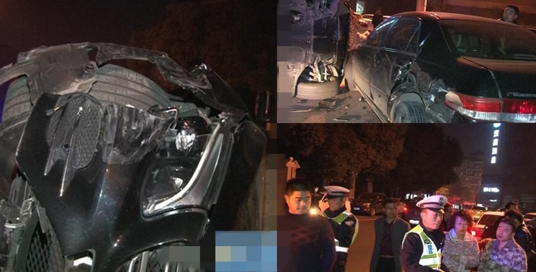 奔驰爆缸侧翻 连撞路边4辆车被逼停