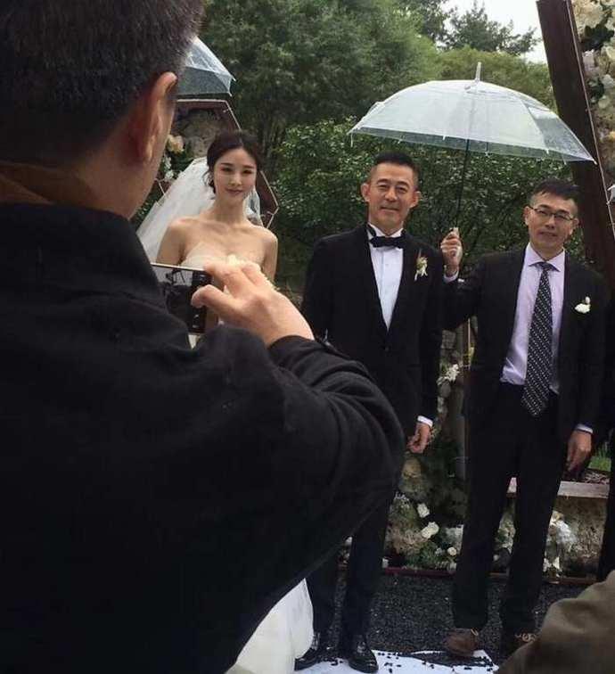 侯勇王刚都是三婚娶娇妻