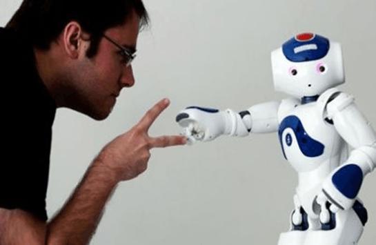 专访简仁贤:如何用情感交互拯救智障的机器人