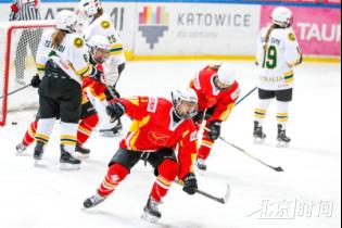 中国冰球小花世青赛取两连胜 成功保组目标2022