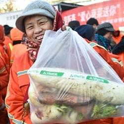 """石家庄""""爱心蔬菜送给你""""寒冬暖人心"""