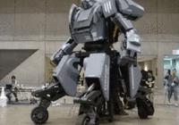 巨型机器人即将第一次决斗 这会成为新的竞技吗?