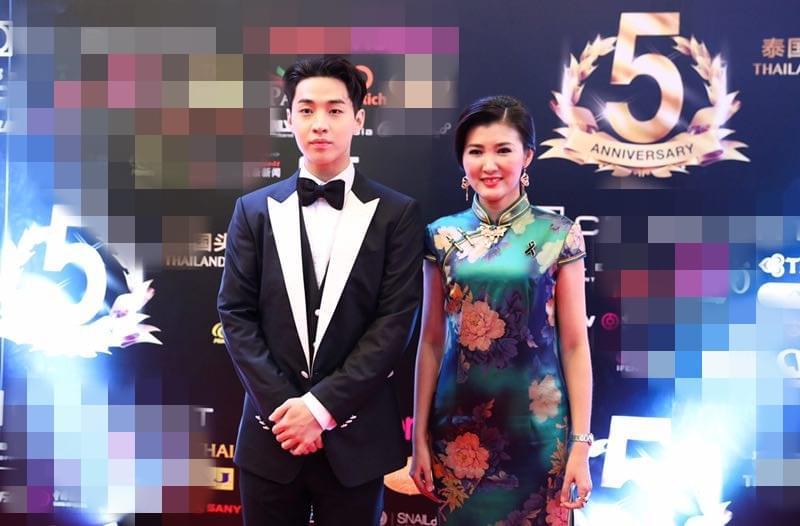郭蕊亮相泰国风云人物颁奖礼 穿旗袍装获赞
