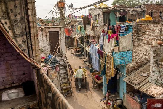 印度人热衷户外排便:即便有厕所 打扫者会被排挤(上篇)