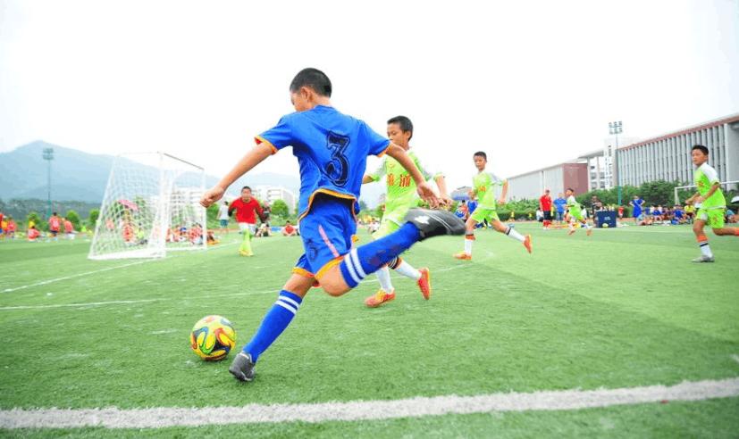 相对国足梦碎世界杯,有个群体更该被关注,未来要他们扛