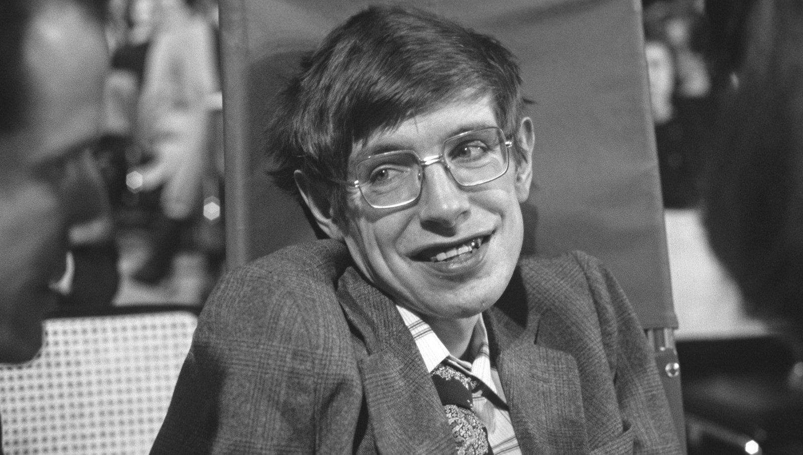 英国物理学家史蒂芬·霍金去世,享年76岁