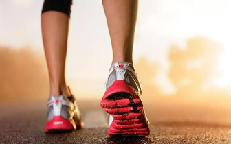 走路锻炼简单易行!你知道如何正确走路吗?