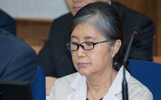 崔顺实帮女儿走后门进名校 二审宣判获刑3年