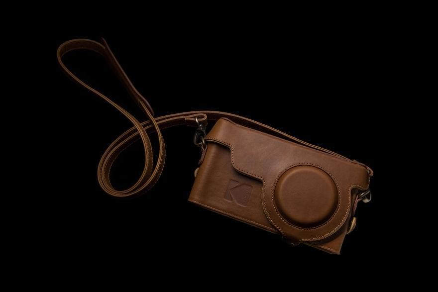 胶卷厂说他们出了一款手机,可怎么看都是相机