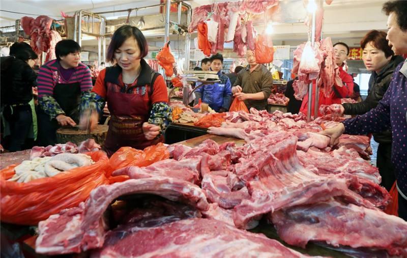猪肉上盖的印章能辨公母?颜料有害健康?