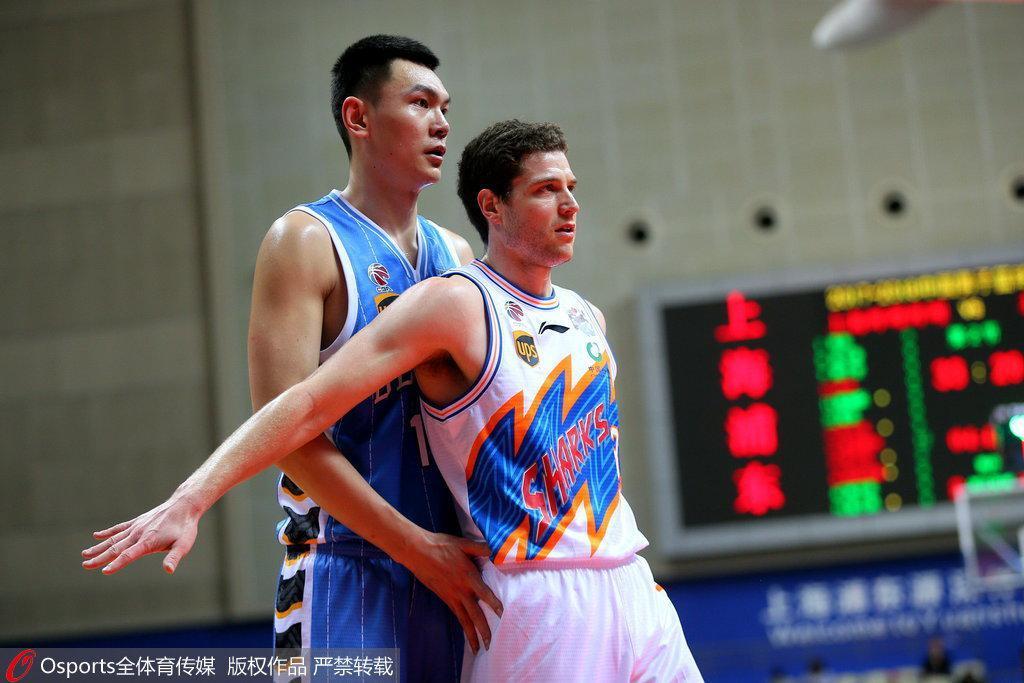 刘晓宇挂零混血中锋0分0板 弗神率上海复仇北京