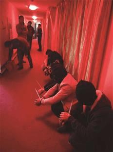"""网上巡查发现招嫖信息  警方""""打入内部""""一锅端掉"""