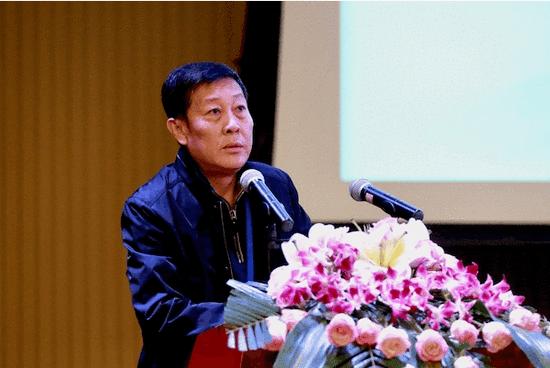 海南省文学艺术界联合会专职副主席阮江华致辞