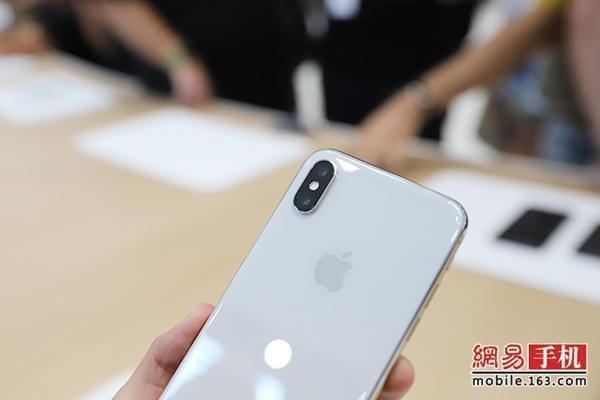 iPhone X竖版双镜头:1200万像素/双光学防抖