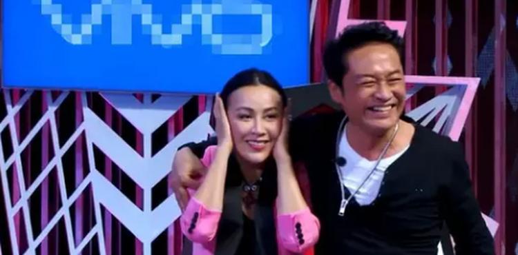"""【吐槽姬】马景涛的""""强吻强抱""""比吐槽更尴尬"""