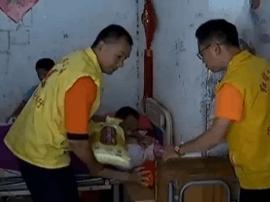 环卫工车祸后截瘫!惠州志愿者风雨无阻定期探望