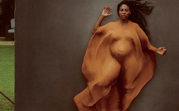 小威全裸孕照上杂志封面 诠释另类性感