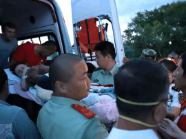 """中俄边检开通""""绿色通道""""救助乌克兰病危旅客"""