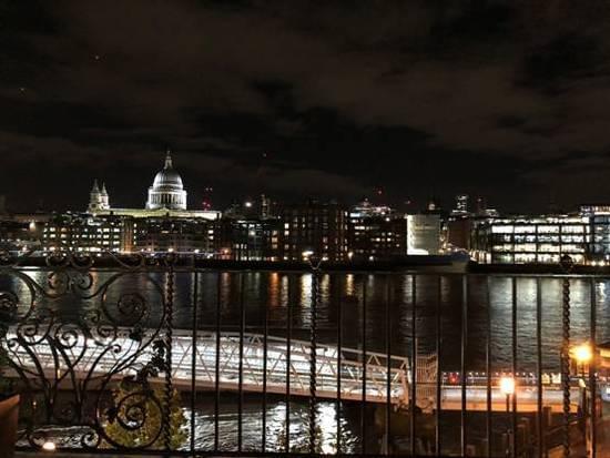 """""""世界名校面对面""""发现之旅之金吉列海外高峰论坛在泰晤士河夜色笼罩下圆满结束"""