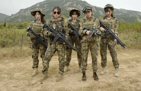 SNH48《戎装信仰》MV首发 成员戎装加身英姿飒爽