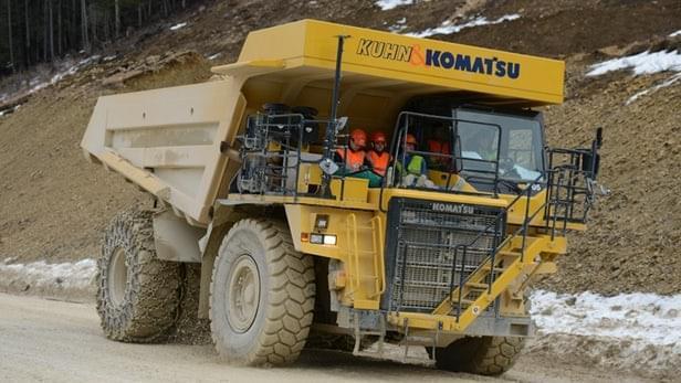配4.5吨电池组 世界最大电动车将投入使用