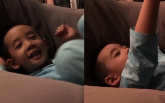 "Jasper躺沙发看星星!笑指天空""Star""小奶音萌哭"