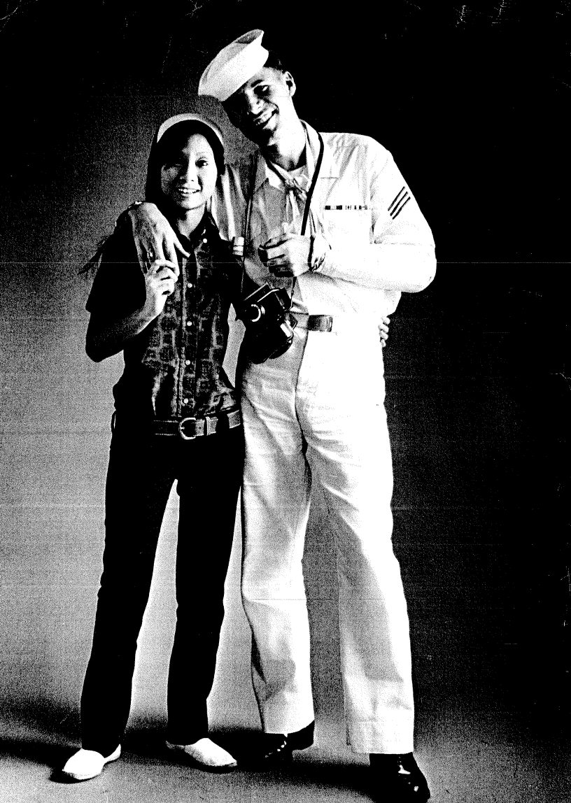 1970年,美国水兵与吧女的合照/The Face of Hong Kong