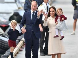 育儿专家揭秘英国王室特殊站位 都是为了孩子