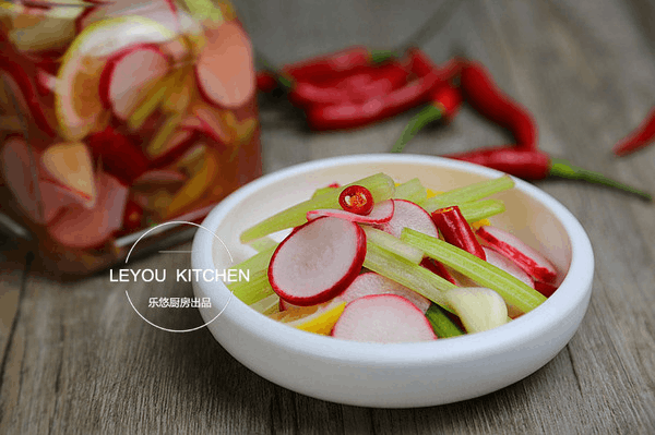 泡菜界的小清新 几个小时就可以上桌 酸爽又开胃