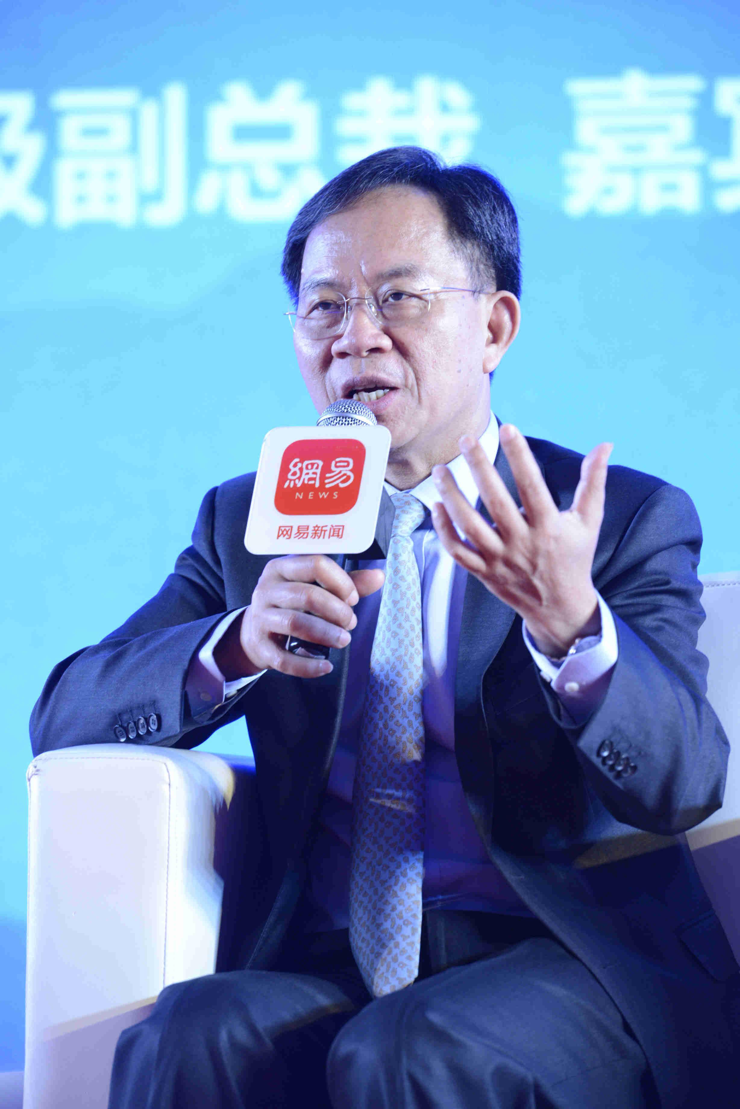 邱晓华谈贸易战:将在影响中国强起来的方面持续争端