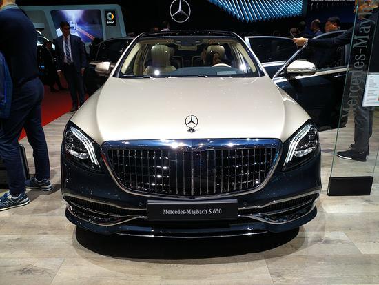 双色车身显霸气 新款迈巴赫S级车展首发