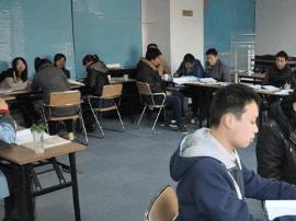 闽公务员考试培训价格不菲 最高一期收费8万元