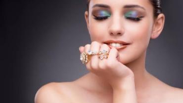 佩戴珠宝有什么原则和讲究?首饰佩戴法则