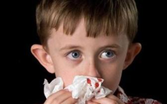 春季孩子爱流鼻血 仰头塞纸能缓解吗?