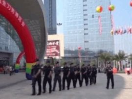 300公安民警力保阳江刀博会平安