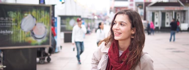 马其顿来的美丽姑娘和你聊她的留学生活
