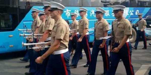 美海军陆战队军乐团南昌街头奏乐