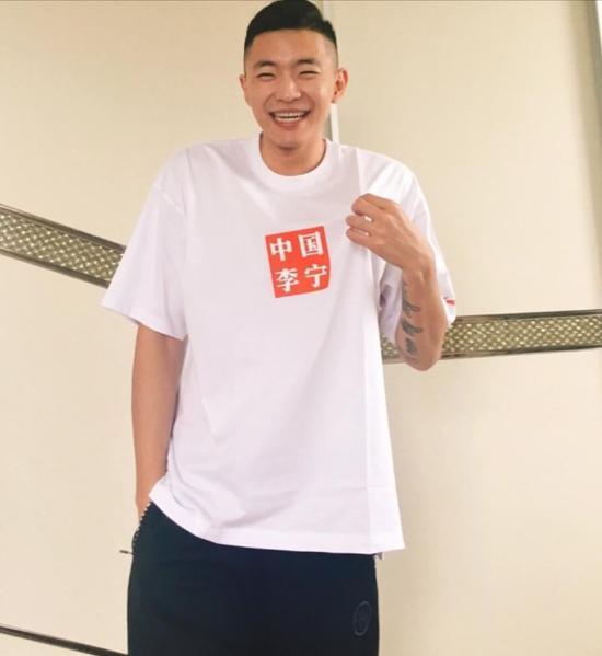 他疯起来似库里 但更像CBA版汤神 中国男篮就需要这样的人