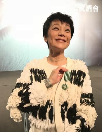 """张艾嘉获颁法国""""骑士勋章"""":让华语片发扬光大"""