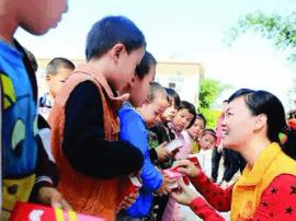 """欧海燕候选6月""""中国好人"""" 惠州市民可进行评议"""