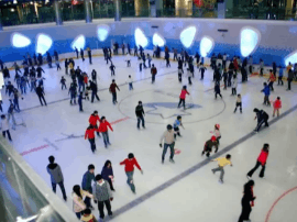 探店 |中央广场悠沃里的宿迁首块真冰溜冰场
