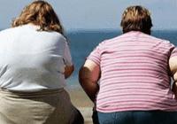 全球报告:约20亿人过于肥胖,至少1.5亿儿童挨饿