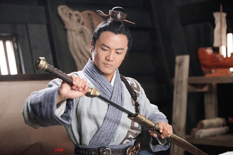 姬他出席《沧海丝路》关机仪式 再塑硬汉形象