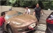 昆明暴雨致83辆车泡水3天