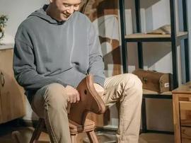 不做年薪20万的设计师 偏要当木工