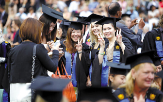 中国留学生成美国校园商圈主力财源