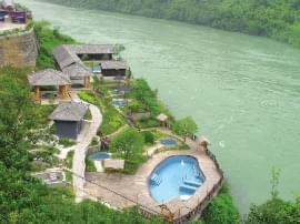 全域旅游花满枝 绿色经济富山村